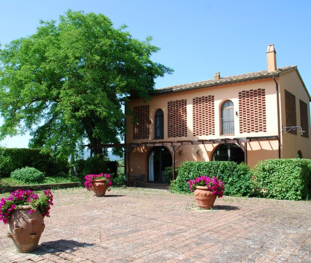 Tuscany Farmhouse Accommodationagriturismo In Toscanafarm Holidays In Tuscanyitaly