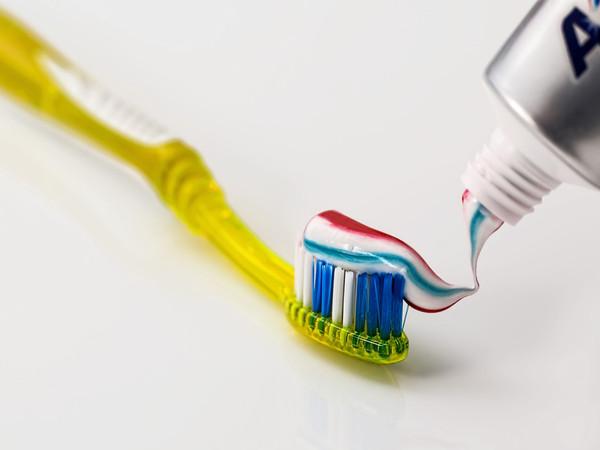 從後面擠的人根本是控制狂!從「擠牙膏」方式看潛在個性 | ETtoday時尚 | ETtoday新聞雲