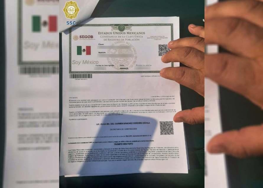2558610 Pausa MX A proceso por disfrazarse de abuelitos para recibir vacuna anticovid