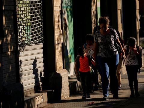 Juez de EU ordena reunir a mayoría de niños con sus padres (Foto: Reuters)