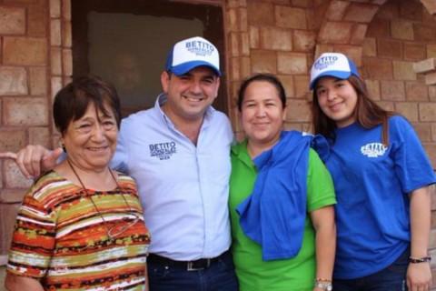 González Hinojosa se reeligió como alcalde. Foto: Especial
