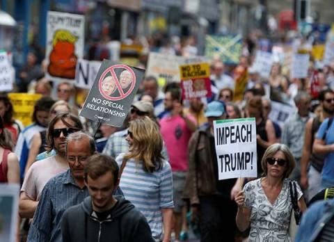 Miles repudian a Trump durante su visita a Escocia