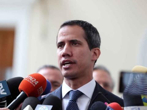 Maduro llama 'payaso' a Guaidó; le pide convocar a elecciones
