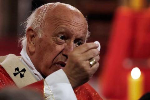 El Papa destrona al principal obispo de Chile por encubrir pederastia