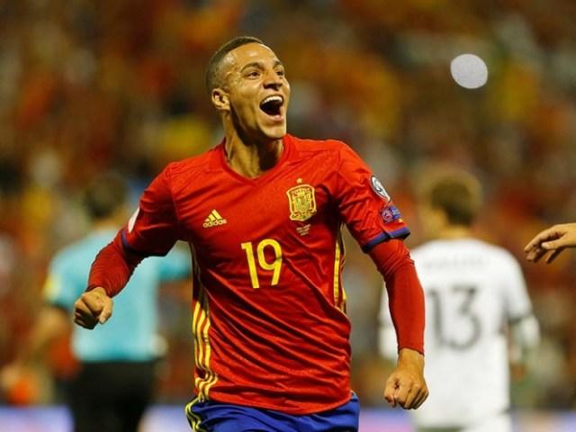 Rodrigo apareció cual la sorpresa en el asalto de España y respondió con un gol