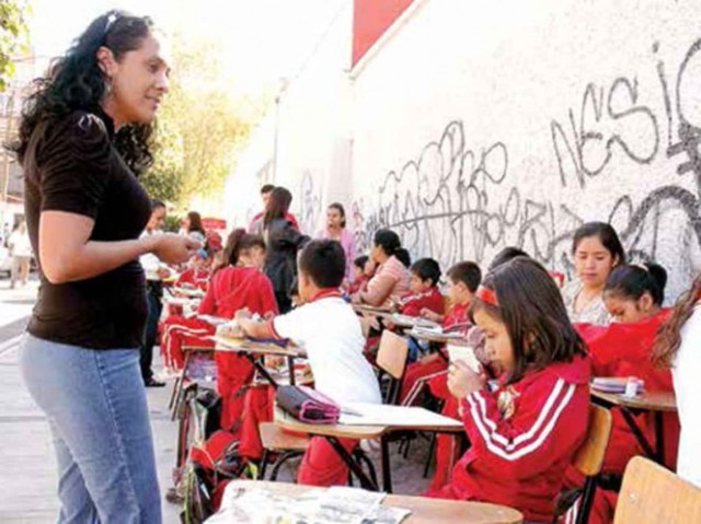 Ahora la prioridad es la reforma educativa
