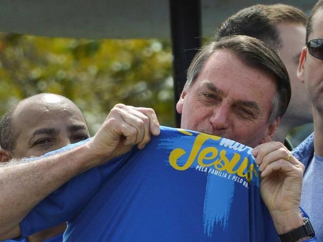 Bolsonaro, de 64 años, afirmó que quien quiera cambiar el concepto de familia deberá modificar la Constitución. Foto: EFE