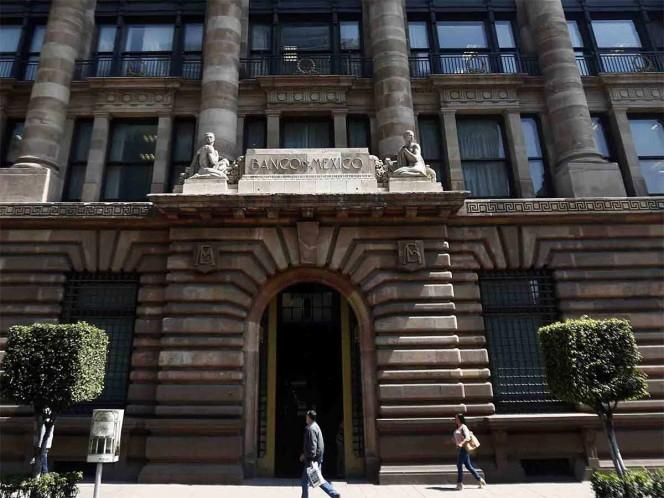 Banxico baja tasa de interés por primera vez en 5 años