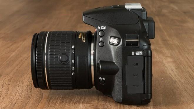 Nikon D5600 side