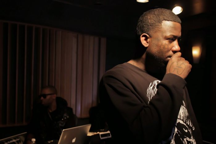 Why-Gucci-Mane-Trap-God-Mixtape-Grinding-2 HipHop Battles Between Staying Corporate and Going Independant