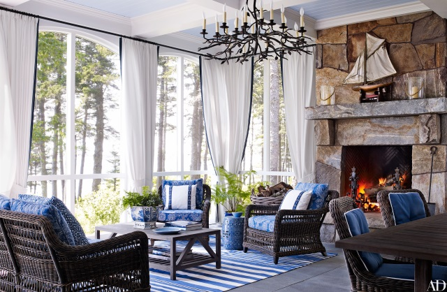 blue-rug-blue-and-white-rug-enclosed-porch-amos-house-in-maine-by-Suzanne-Kasler-Les-Cole-architectural-digest-July-2016.jpg