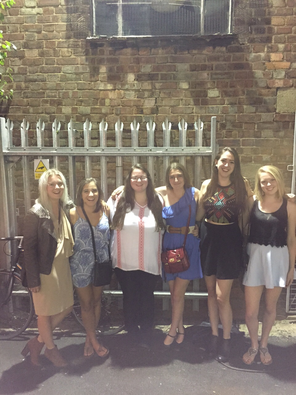 CAPAStudyAbroad_London_Summer2015_From_Sawyer_Coffey_-_friends
