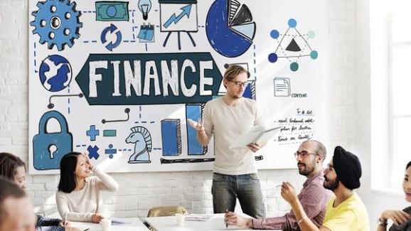 coach-financial-education-getty-crop-600x338.jpg