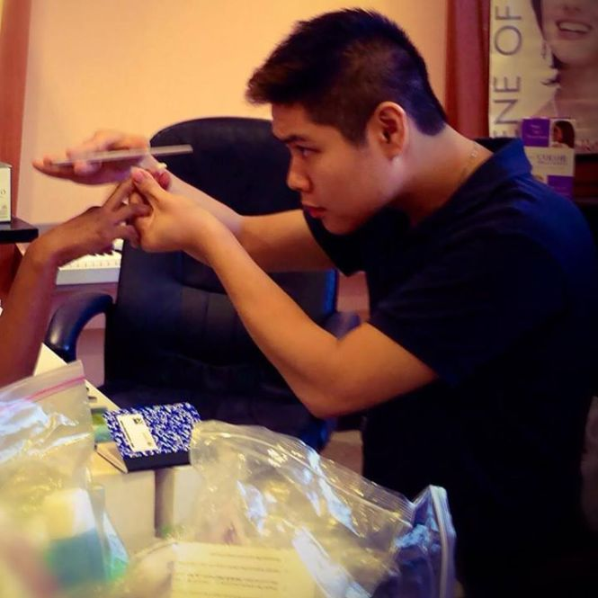 Home Nail Technician School Student