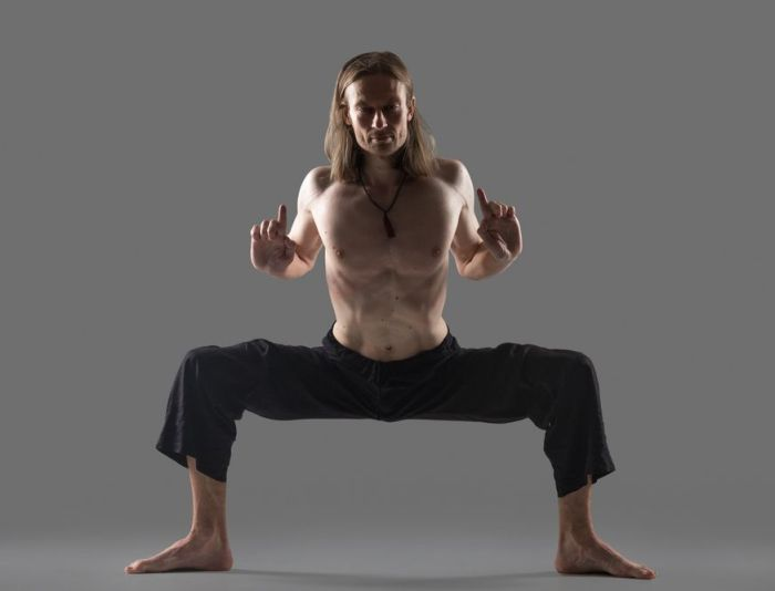 man practicing qigong for beginners