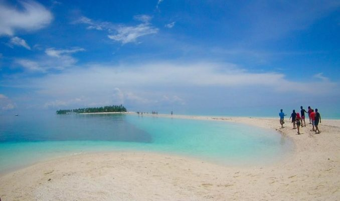 John-DeVries-Philippines-beach-1024x607