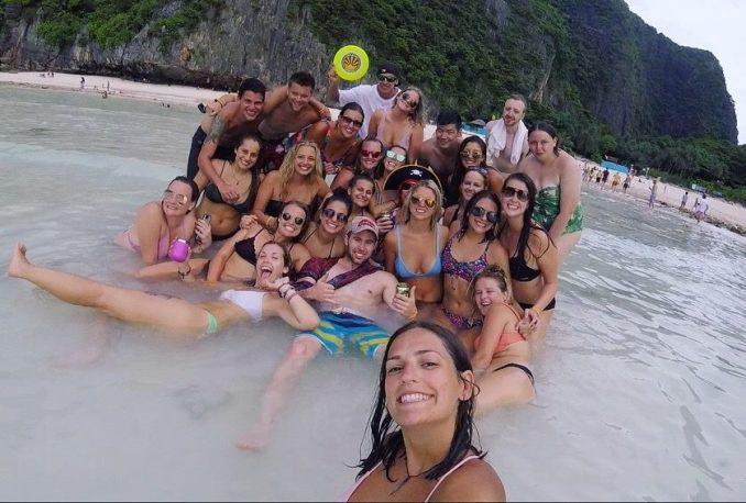 Julie-Tschida-thailand-group