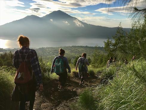 Lauren-Toth-Indonesia-Mt-butur