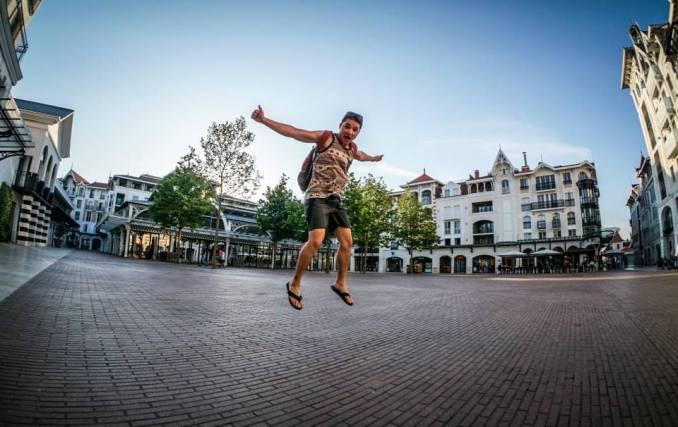 jumping-backpacker