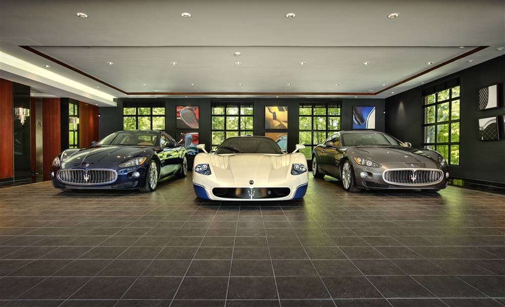 The Ultimate Garage       THE ULTIMATE GARAGE