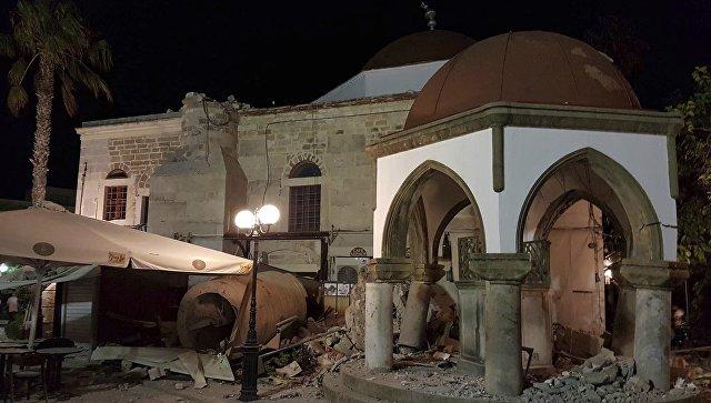Поврежденные землетрясением здания на острове Кос, Греция. 21.07.2017