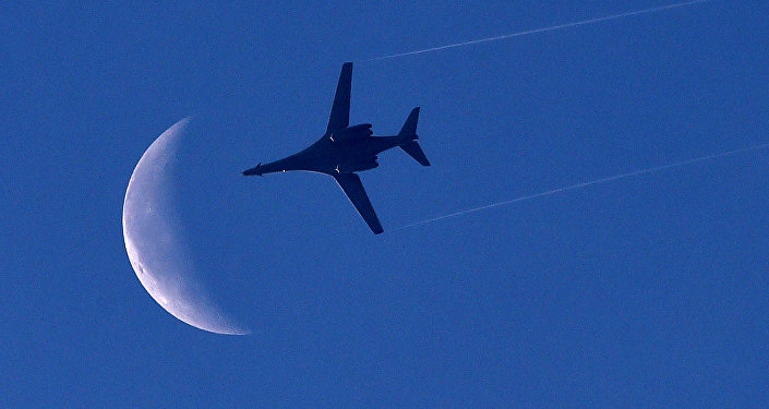 US Air Force B-1 Lancer bomber flies above Syria