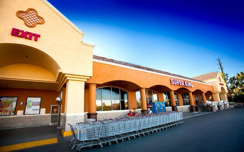 Fresh Market Shopping Center