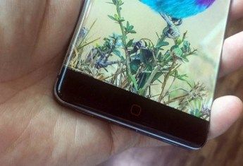 Elephone P20 en la mano