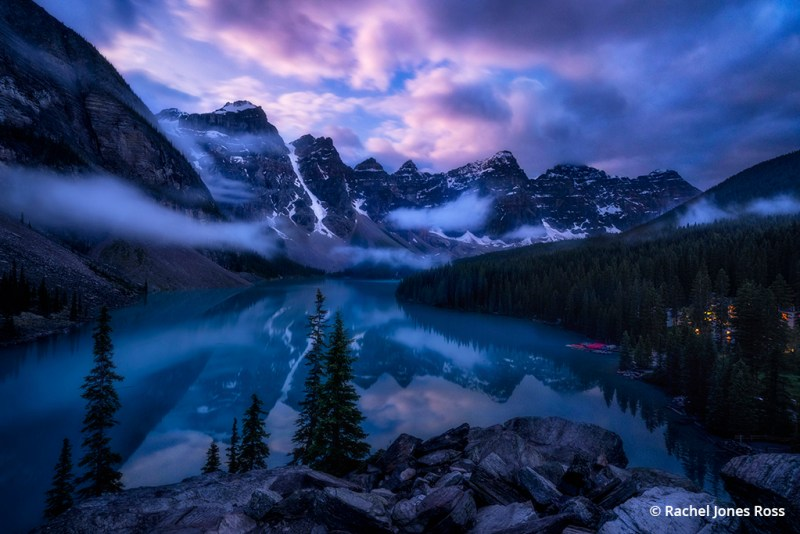 Photo of Moraine Lake in the moonlight