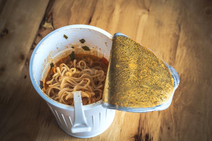 Camarones de sopa instantánea causan hipertensión