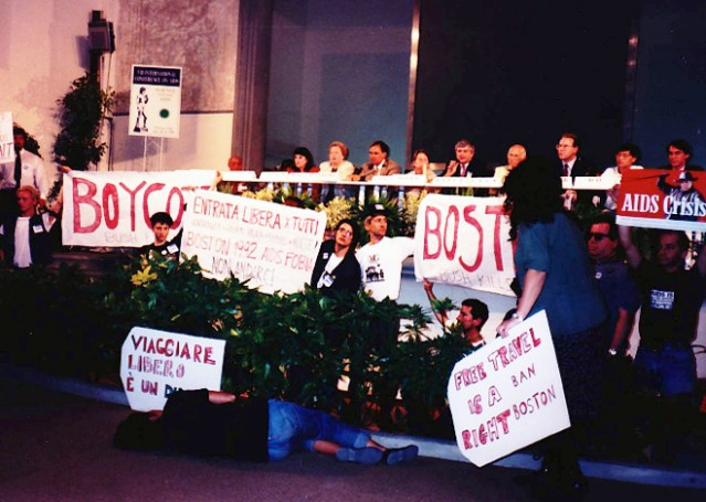 Scientists and protesters at 1991 International AIDS Conference in Florence