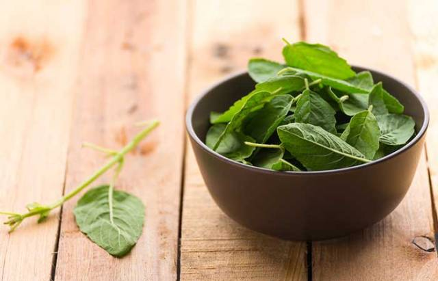 9.Tulsi And Mint Face Pack