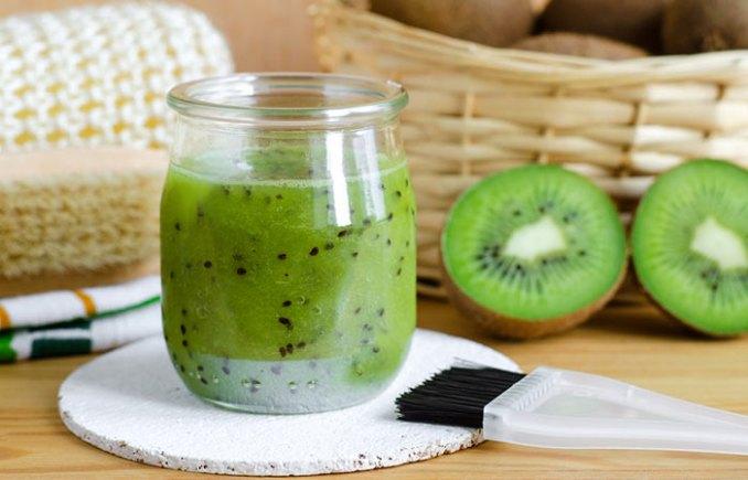 5. Rejuvenating Kiwi Fruit Face Mask