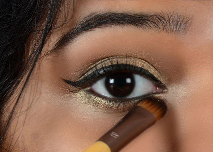 Gold Eye Makeup Tutorial - Step 10: Brighten Your Eyes With Shimmer