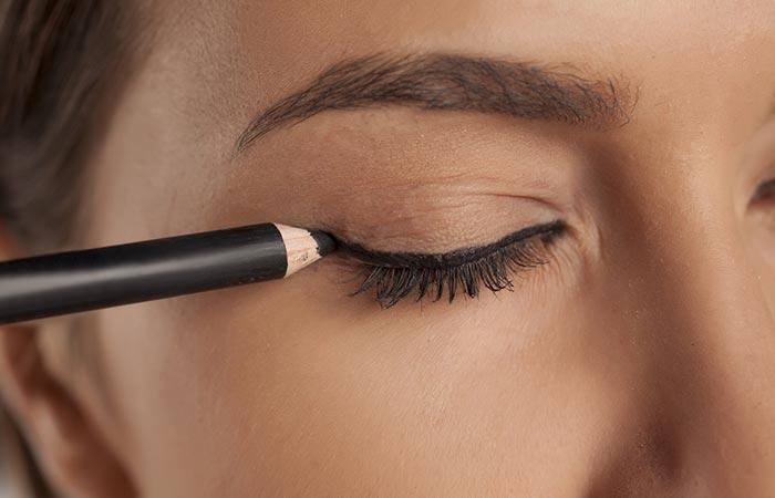 Eye Makeup Tips - Eyeliner Tips For Beginners