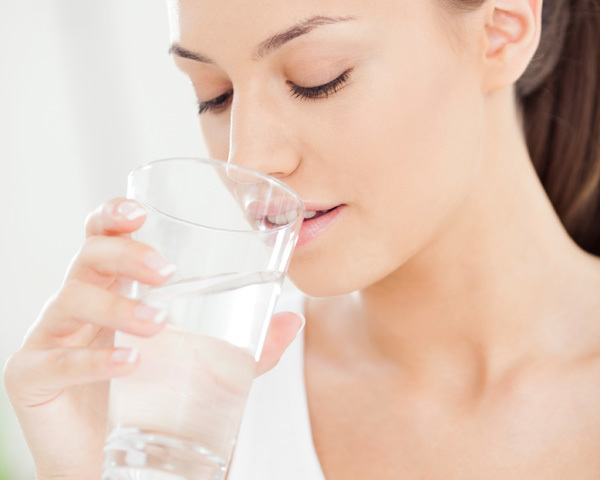 water benefits for healthy lips