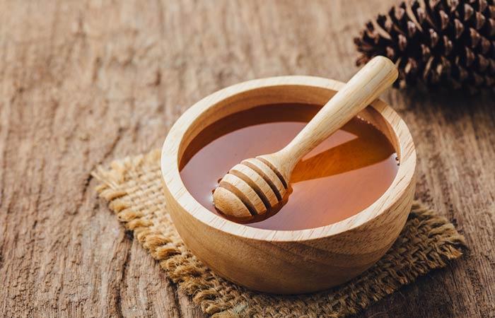 15.-Honey-And-Sandalwood-For-Vitiligo