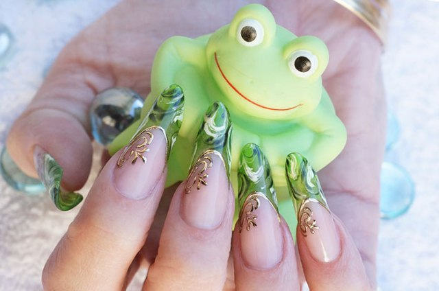 The Most Honest And Faithful With Almond-Shaped Nails