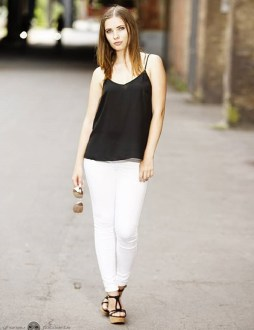 What To Wear With White Jeans   Outfit Ideas White Jeans With Black Top And Accessories