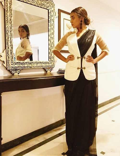 Jacket-Saree Tired Of Old Saree Drapes? Try 21 Modern Styles No One Told You About! Random