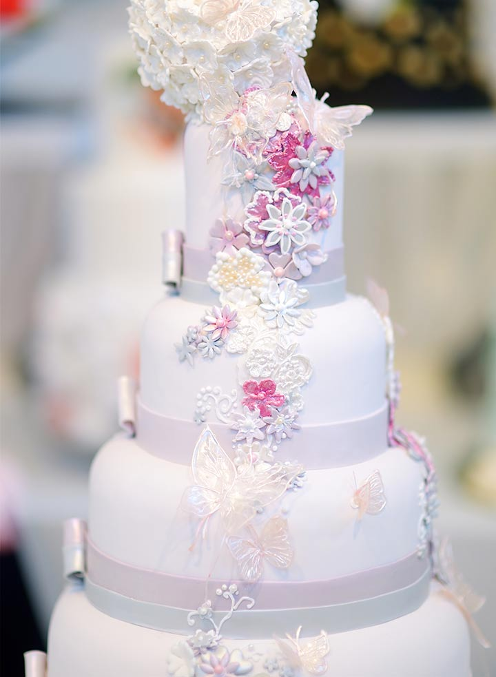 9 Romantic Butterfly Wedding Cakes That Will Give You Butterflies Fairy Tale Butterfly Wedding Cake
