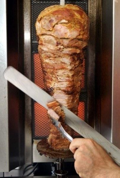 Фирма за дюнери в Пловдив с акт от БАБХ, откриха месо без опаковка