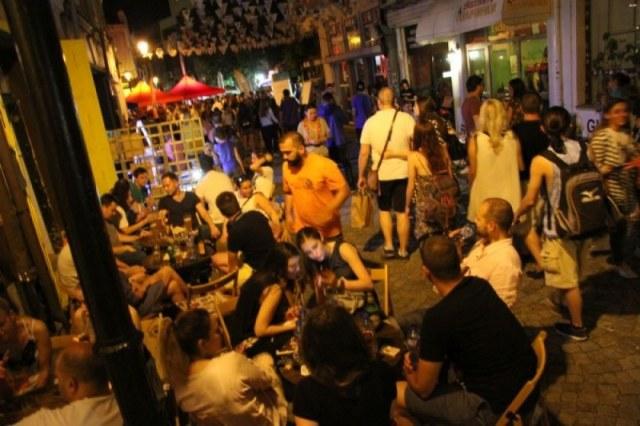 В Капана всяко чудо за три дни - отново шум и пиянски изцепки до сутринта