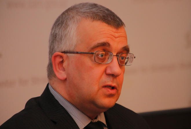 Oleq Kuznetsov ile ilgili görsel sonucu