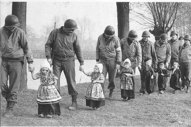 Resultado de imagen de La Segunda Guerra Mundial, 1944-1945