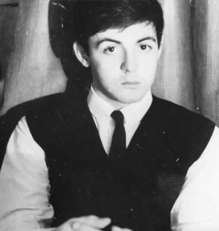 mu2 - 18 famosos músicos que nunca habías visto cuando eran jóvenes. Cher casi no envejece