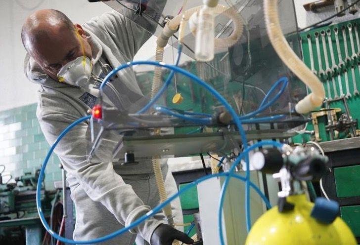 Captura de Pantalla 2020 07 02 a las 14.55.05 - El ventilador de Stephen Hawking salva a personas con COVID-19. Fue donado a hospital que lo atendió