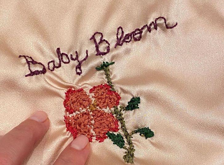 Katy Perry Taylor Swift0001 - Katy Perry recibió el regalo más bello y considerado de Taylor Swift. Tejido a mano para su bebita