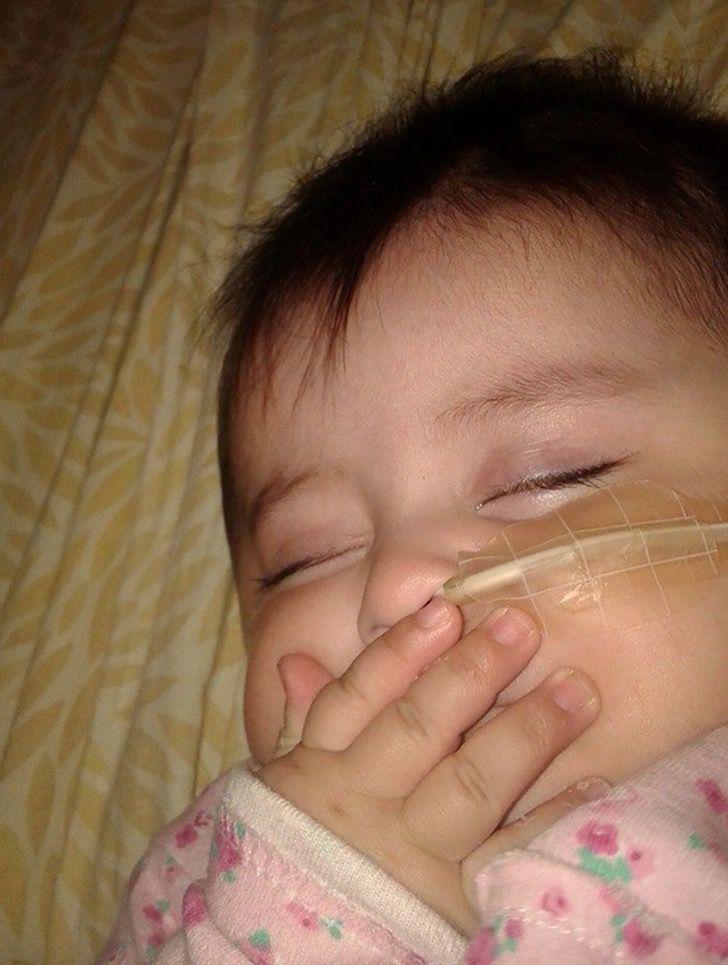 Captura de Pantalla 2020 11 16 a las 14.04.56 - Adotta una bebè con pochissima aspettativa di vita. Le ha donato i 5 migliori anni della sua vita