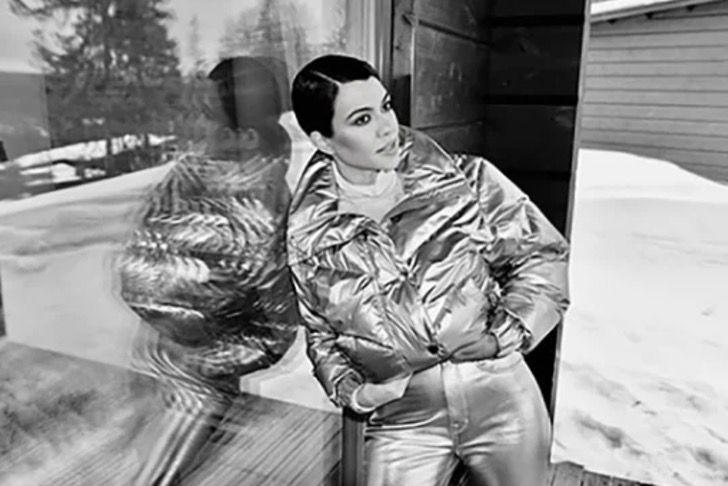kardashian bikini9 - 20 fotos prueban que las Kardashian no solo lucen bien en bikini. Kylie luce sensual con abrigo